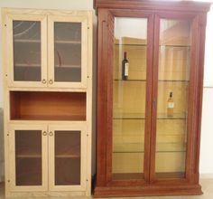 a)Mobile a muro in frassino sbiancato con vetri Madras a colori b) Cristalliera in massello di frassino spazzolata, colore: tinto noce