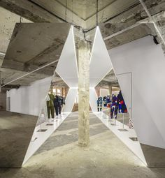 Felipe Oliveira Baptista Exhibition.8 | http://www.pinterest.com/AnkAdesign/installations-backwalls/
