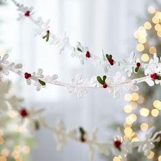 cat-winter-white-felt-mistletoe-garland