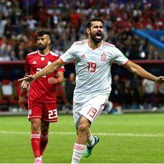 """e50b92e23a Mundo de Futebol on Instagram  """" Diegocosta garantiu a vitória da Espanha  contra o Irão na  CopadoMundo2018 Atacante naturalizado marca o único gol  da ..."""