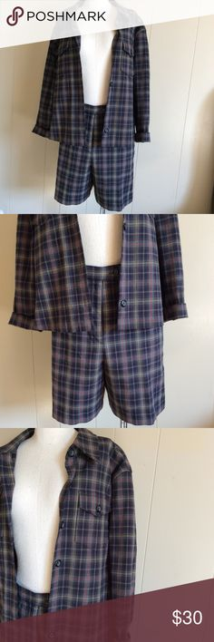 Size medium 10 flannel short suit high-waist 90's Euc medium jacket size 10 shorts nice structure blue green plaid flannel print reminds of the show clueless Alicia Silverstone short suit Jackets & Coats
