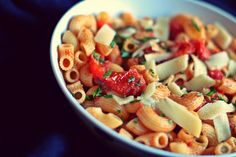 Buttered Up: A roasted tomato macaroni for the unpresent