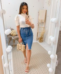 Swag Outfits For Girls, Classy Outfits, Stylish Outfits, Fashion Jobs, College Fashion, Fashion Outfits, Skirt Outfits Modest, Skirt And Sneakers, Looks Chic