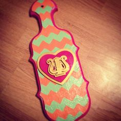 DIY Chevron ΑΧΩ Paddle. But Gamma Phi and painting the crest somewhere