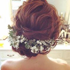 後ろ姿も素敵なヘアアレンジ♡ かすみ草でナチュラルに。 #ヴィラデマリアージュさいたま #ヘアアレンジ #ナチュラル #かすみ草 #ナチュラルウェディング #プレ花嫁 #日本中のプレ花嫁さんと繋がりたい #新郎新婦 #結婚式場 #披露宴 #大宮 #与野