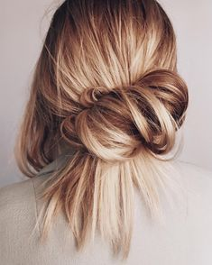 43 Ideas for hair 2018 trends caramel Bob Hair, Bun Hairstyles, School Hairstyles, Black Hairstyles, Wedding Hairstyles, Quinceanera Hairstyles, American Hairstyles, Updo Hairstyle, Wedding Updo