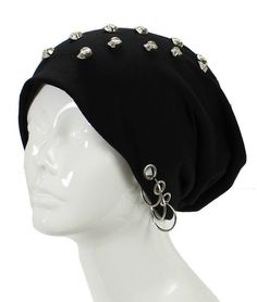 Unisex Goth Skull Studs Grommet Silver Ring Accent Beanie Hat - GoGetGlam - 1 Omg need this Dark Fashion, Emo Fashion, Gothic Fashion, Punk Outfits, Gothic Outfits, Moda Punk, Slouchy Beanie Hats, Beanies, Punk Mode