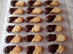 Trené rožteky, recept | Tortyodmamy.sk Oreo Cupcakes, Mini Cupcakes, Christmas Candy, Christmas Baking, Baking Recipes, Cake Recipes, Chocolates, Czech Recipes, What To Cook