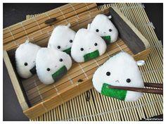 Google Image Result for http://4.bp.blogspot.com/_S_HnMPiC5j4/S84TC1O00xI/AAAAAAAAAW0/GJVB0L5E0SA/s1600/Onigiri1.jpg