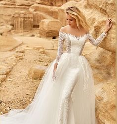 Discover the most beautiful wedding dresses from the collection of wedding dresses. the perfect wedding dress is easy to find with these models. Unique, elegant and beautiful wedding dresses. Find Your Dream wedding dress. Wedding Dresses 2018, Luxury Wedding Dress, Lace Mermaid Wedding Dress, Perfect Wedding Dress, Bridal Dresses, Lace Wedding, Bridal Collection, Dress Collection, The Dress