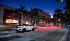 SUV-Cabrio:    Wer möchte nicht einmal mit seinem Cabrio off-road fahren? Sein Sommer-Fahrfeeling mit vielen Freunden oder der ganzen Familie teilen? Und dabei viel Platz für Gepäck haben? Diese Wünsche müssen keine Träume mehr bleiben. Der neue Range Rover Evoque bringt alle SUV-Vorteile in ein Cabriolet: P ... Link: http://www.bold-magazine.eu/suv-cabrio/  #BOLDTHEMAGAZINE, #CabrioOffRoad, #RangeRover, #SUVCabrio