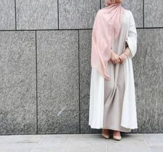 whites tones abaya style- How to style your Abaya cardigan for Ramadan http://www.justtrendygirls.com/how-to-style-your-abaya-cardigan-for-ramadan/
