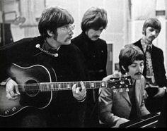 Sgt Pepper's band