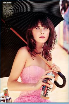 Zooey Deschanel - could totally see her as the part of Anastasia Zooey Deschanel Hair, Emily Deschanel, Girl Crushes, Pretty People, Beautiful People, Perfect People, Divas, Christina Perri, Actrices Hollywood