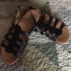 BOC Born sandals This born sandals have never been worn. Has a nice arch support. Adjustable back strap. Leather straps Born Shoes Sandals