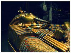 Resultado de imagem para escultura em ouro