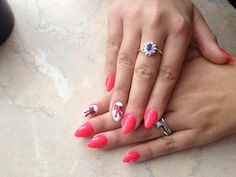 Love pink nails... white <3 BOW