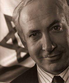 Arnold Newman. Netanyahu