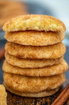 Cinnamon Cream Cheese Cookies [Video] - Sweet and Savory Meals Easy Cookie Recipes, Brownie Recipes, Sweet Recipes, Dessert Recipes, Desserts, Spicy Recipes, Cheesecake Bites, Cheesecake Recipes, Brownie Recipe Video