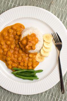 Kikärtscurry with peanut butter Vegan Vegetarian, Vegetarian Recipes, Healthy Recipes, Caesar Pasta Salads, Food Inspiration, Foodies, Food Porn, Food And Drink, Yummy Food