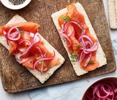 A delicious way to boost your Omega 3 intake. This recipe is high in protein of the energy in this recipe comes from protein). Quick Pickled Red Onions, Under 300 Calories, Smoked Salmon, High Protein, Dairy Free, Omega 3, Fish, Recipes, Ranges