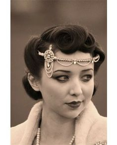 Zelda Vintage 20s Style Headdress#vintagebridalhair #vintagebridalmakeup