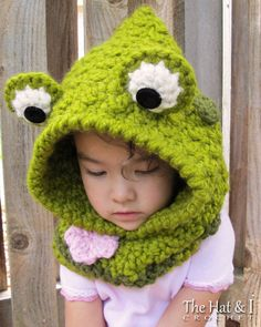 CROCHET PATTERN Frog Fun chunky crochet hooded cowl
