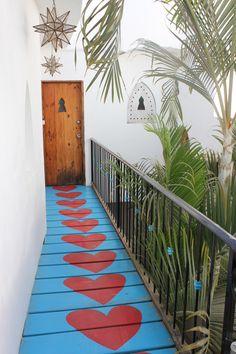 We're in <3 with this colorful walkway at the Petit Hotel d'Hafa in Sayulita, Mexico! #travel