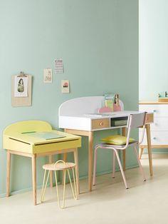 Stylish 34 Striking Kids Study Desks Ideas That Kids Will Love Asap Kids Study Desk, Kids Workspace, Furniture Logo, Kids Furniture, Colorful Apartment, Kid Spaces, Home Interior, Kids House, Interiores Design