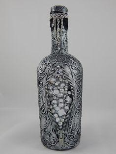 Blingy treasure altered bottle