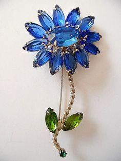 VINTAGE SIGNED WEISS LARGE BLUE & GREEN RHINESTONE FLOWER BROOCH  | eBay