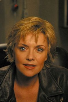 Amanda Tapping: Perfect hair cut. Perhaps a tiny bit darker and longer?