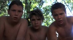 Still of River Phoenix, Corey Feldman and Jerry O'Connell in Stand by Me