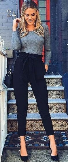 these high waisted trousers and simple black pumps are perfect for Thanksgiving dinner with your parents!