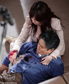 Scenes from ep 102 after SGT is shot by Kim Do Shik