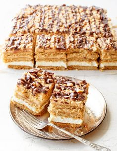 Miodownik Polish Desserts, Polish Recipes, Baking Recipes, Cake Recipes, Dessert Recipes, Poke Cakes, Cupcake Cakes, Delicious Deserts, Yummy Food
