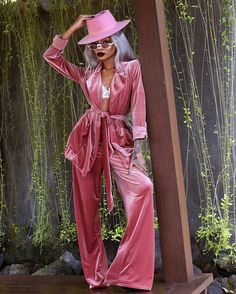 Image may contain: one or more people, people standing and outdoor Girl Fashion, Fashion Looks, Fashion Outfits, Fashion Design, Fashion Ideas, Womens Fashion, Pink Outfits, Cute Outfits, Nyane Lebajoa