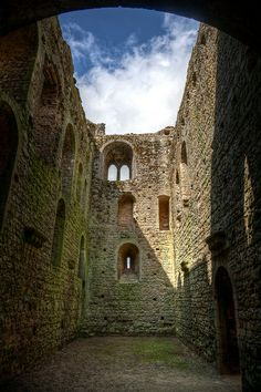 Castle Rising Castle is a ruined castle situated in the village of Castle Rising in the English county of Norfolk. English Castles, Scottish Castles, Castle Ruins, Medieval Castle, Beautiful Castles, Beautiful Buildings, Abandoned Buildings, Abandoned Places, Temple Ruins