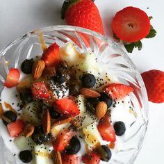 Vanilleskyr med ingefær, friske bær og chiafrø | Woman.dk