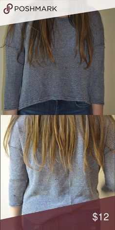 aerie striped high low sweater navy and white 3/4 length high low sweater. super thin and soft!! I included the last photo to show the small threading. as always, price is not fixed  aerie Sweaters Crew & Scoop Necks
