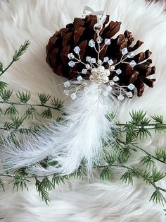 Check out this item in my Etsy shop https://www.etsy.com/listing/574161811/christmas-tree-decorsnowflake-feather
