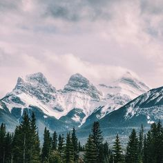 「 Three sisters, Canmore, Alberta. Photo by @brenleo 」