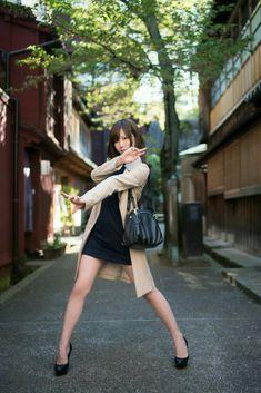 琴線に触れたもの What moved me. Action Pose Reference, Human Poses Reference, Pose Reference Photo, Poses Dynamiques, Body Poses, Girl Poses, Action Posen, Japonese Girl, Modelos Fashion