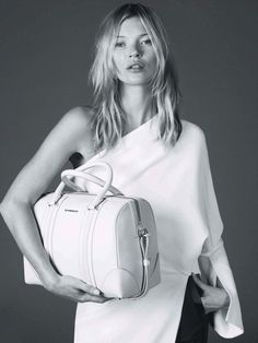 Givenchyジバンシーの旅行カバン|Sayo Woman bag Life -女性バックライフ-