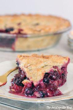 Four Berry Pie | The JavaCupcake Blog http://javacupcake.com