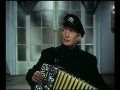 Hans Albers - Auf der Reeperbahn nachts um halb eins 1954 - YouTube