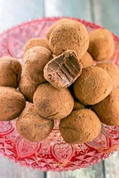 These easy vegan chocolate truffles are so rich and luscious, easy to make, and almost too sinful to eat. Gluten-free, dairy-free, vegan and delicious! I remember the first time I got sick Paleo Dessert, Vegan Desserts, Raw Food Recipes, Dessert Recipes, Food Tips, Vegetarian Recipes, Vegan Chocolate Truffles, Vegan Baking, Dairy Free