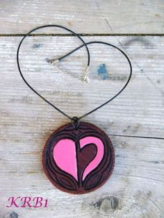 Heart aspect on mahogany wood - 120 € Send me an ask or an email at if you want a personalised piece Homestuck, Washer Necklace, Witch, Homemade, Heart, Jewelry, Jewlery, Bijoux, Schmuck