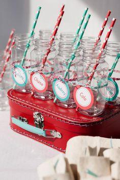 Botellas festivos para los refrescos / Festive bottles for the refreshments