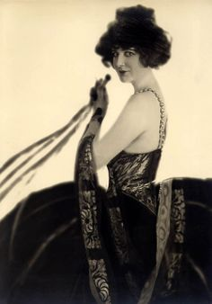 Julian Eltinge, American stage and film actor and female impersonator, 1922